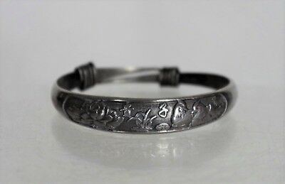 Fantastic Antique Traditional Chinese Silver Relief Bracelet - with mark