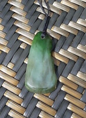 Greenstone Carving - Good luck Pendant Long - New Zealand Gifts Greenstone