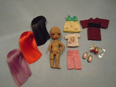 HUJOO BABY OBITSU 12CM CHOCOLATE COMPLEXION DOLL w WIGS, EYES, SHOES & CLOTHING