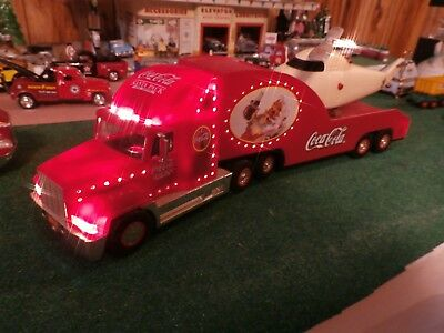 Coca ' Cola Truck 2000, Holiday Helicopter Carrier with Helicopter