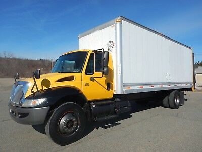 International 4300 DT466 24ft Box Truck 4,000 lb Anthony Rail Lift Gate 6 Speed