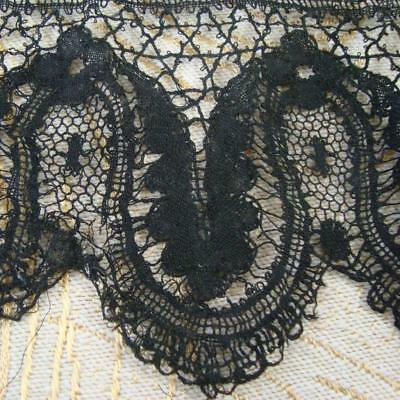 A95 - Antique Black Lace Length - Small Scalloped Piece - Dentelle Ancienne