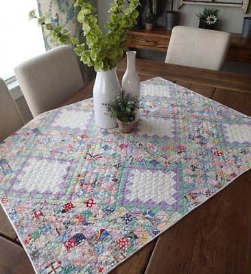 Glorious Tiny Pieces! Vintage 30s Feedsack Table or Crib Quilt 31x41 Pastels