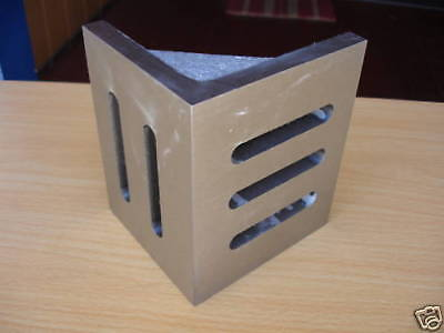 "6""X5""X4-1/2"" Slotted Webbed Angle Plate"