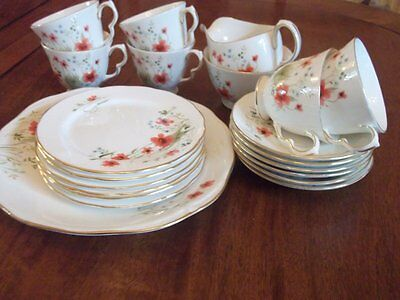 A Lovely Poppy Tea Set By Colclough For 6 Persons