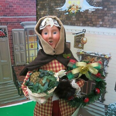 Byers Choice Lady Especially for Williamsburg W/ Basket & Wreath from 2010