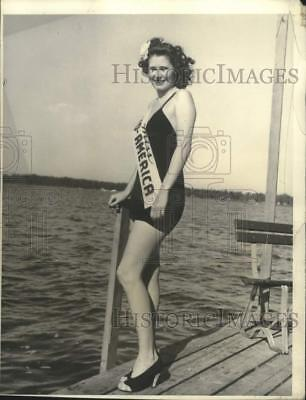 1941 Press Photo Nineteen year old Jerry Kieper named Queen of Trucking Industry