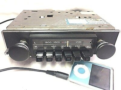 Vintage Upgraded Ford P21 Pushbutton Classic Car Radio with iPod/mp3 aux lead