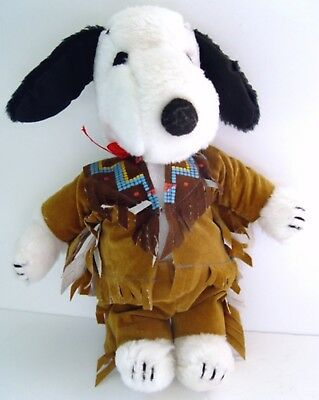 """Vintage 1970's Peanuts SNOOPY 11"""" PLUSH DOLL w/ NATIVE AMERICAN OUTFIT #4926"""