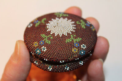 Fine 19th century Woodlands American Indian Beaded Horn Box
