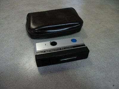 Kodak Instamatic 92 vintage camera. Original case pouch.