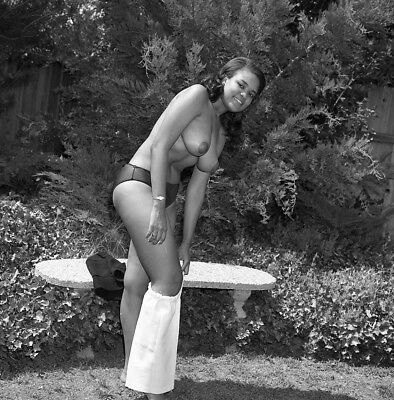 1960s Vogel Negative, busty nude black pin-up girl Minnie Lee outdoors, t992610