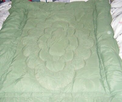 """Vintage 1940's/50's Quilt Eiderdown, Green, 64"""" By 54"""" (162 By 137Cm) Approx."""