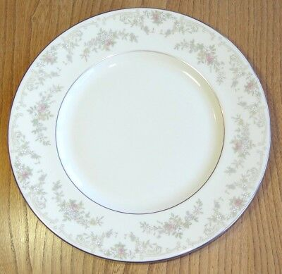 Royal Doulton, The Romance Collection Dinner Plate - DIANA - H5079