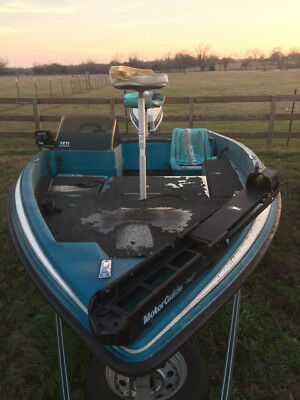 1993 Javelin 16' Bass Boat & Trailer - Texas