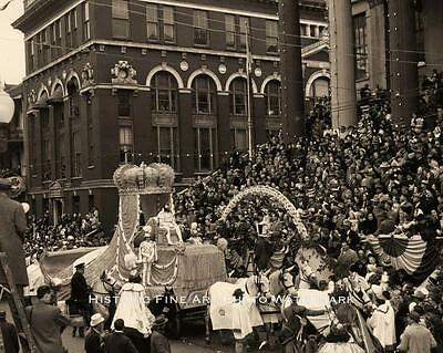 NEW ORLEANS MARDI GRAS PARADE VINTAGE PHOTO KINGS FLOAT 8x10  #21480