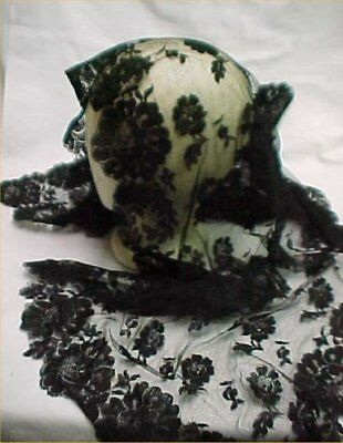 Vintage BLACK Lace Catholic Chapel Veil Mantilla Scarf Rose Estate Head Covering