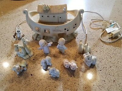 Precious Moments Noah's Ark - Night Light - Two By Two 530042 + 7 extras animal