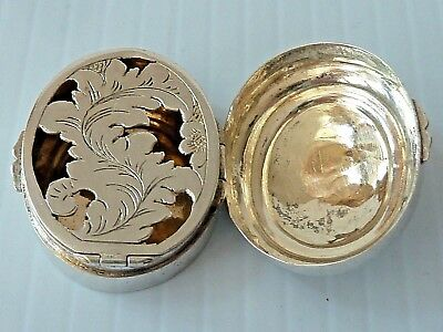 Silver Vinaigrette Oval Box W/ Floral Design On Hinged Lid & Hinged Leaf Grill