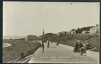 Postcard : Scotland Largs Ayrshire Queen Mary Esplanade and Broomfields RP