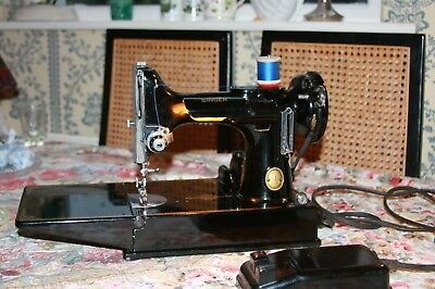 Vintage Singer 221K Featherweight Sewing Machine In Original Carry Case Spares
