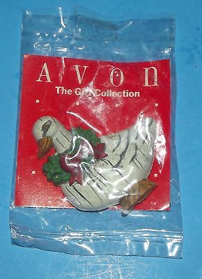 """Christmas Avon Country Magnet Holiday Goose w Wreath Gift Collection Vintage 2"""""""