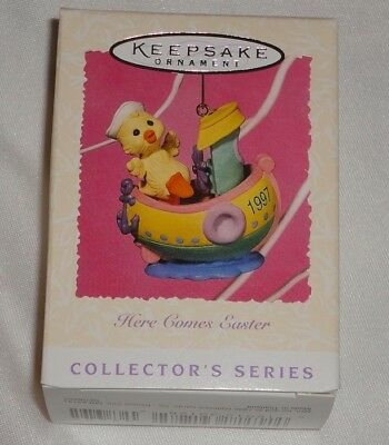 HALLMARK SPRING ORNAMENT ~  HERE COMES EASTER ~ FOURTH  in SERIES ~ 1997 *NEW