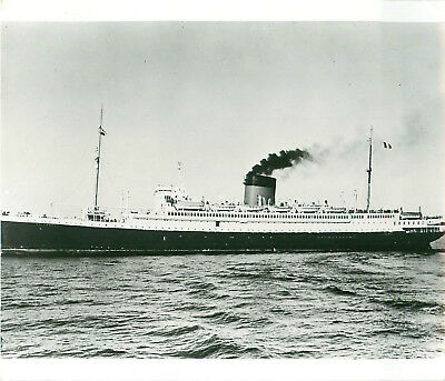 Photo of the SS Empress of Australia under steam Canadian Pacicfic Company