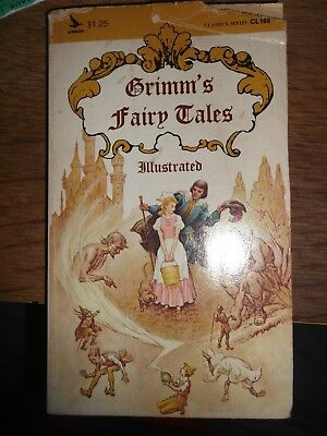Grimms Fairy Tales 1968 Illustrated Paperback Book Published By Airmont
