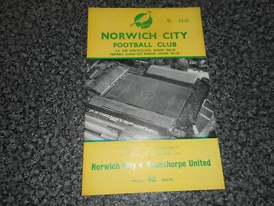 NORWICH CITY  v  SCUNTHORPE UNITED  1962/3  ~ DECEMBER 8th   *****FREE POST*****