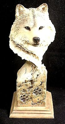 Wolf Figurine/Sculpture, Mill Creek Studios, Slockbower, 2001. Mint.