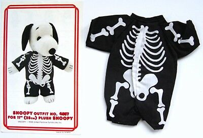 """Vintage 1982 Peanuts SNOOPY SKELETON OUTFIT #4557 for 11"""" PLUSH w/ BROCHURE  1"""