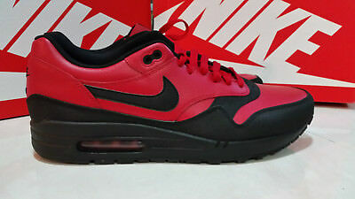 NIKE MAX AIR REDWHITE Men's US Size 13 Athletic SHOES