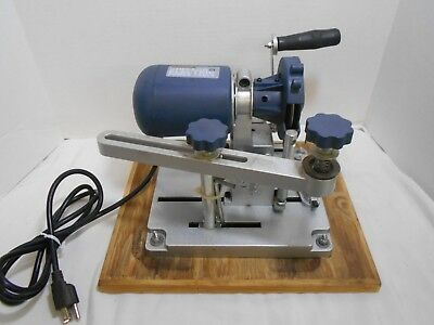 Chicago Electric Saw Blade Sharpener 96687 Table Top W/ Wood Base Diamond Blade