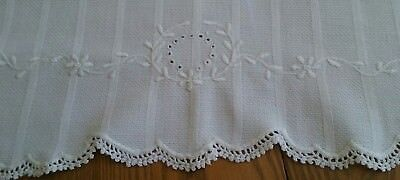 """Vintage 26"""" Homespun Linen Display Towel ~ Floral White-On-White Embroidery"""