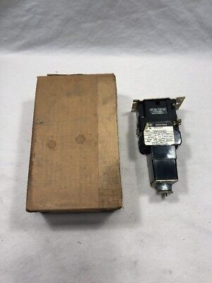 Westinghouse BTO22F BT Timing Relay Off-Delay 300V