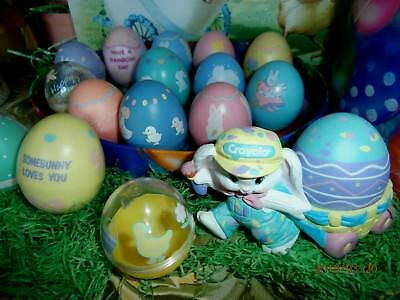 HALLMARK EASTER EGG LOT 15 EGGS 1 CRAYOLA BUNNY HOLDER  russ berrie