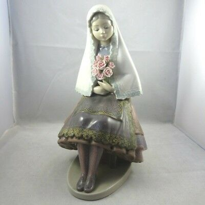 Vintage 1980s Rare Retired Lladro Daisa Girl Seated Holding Roses Figurine 5127