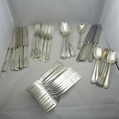 Mixed Flatware Craft Lot Wm Rogers Son 1847 Rogers Bros Vogue Silverplate 39 Pcs