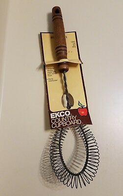 Vintage Ekco Country Cupboard Coil Rim Batter Baking Whip Wooden Handle Usa Made