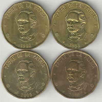 4 DIFFERENT 1 PESO COINS from the DOMINICAN REPUBLIC (1992, 1993, 2005 & 2014)
