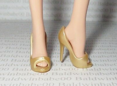 SHOES ~ BARBIE DOLL MODEL MUSE YELLOW GOLD ORNATE POINT TOE PUMPS HIGH HEEL