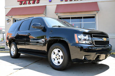 2014 Chevrolet Tahoe  2014 Chevrolet Tahoe LT, DVD, Moonroof, Leather, More!