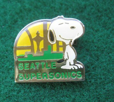 Seattle Supersonics NBA Basketball Snoopy ~ Label Lapel Pin tie tack 2492