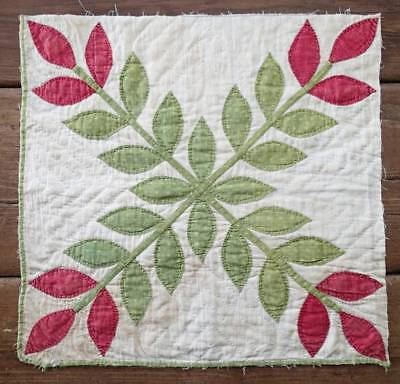 "Antique Red & Green Laurel Leaf Album Applique QUILT Piece 17"" x 16 1/2"""