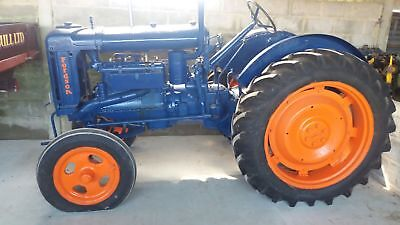 Fordson Major E27N Tractor Vintage Tractor 1940s
