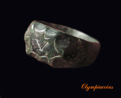 **EXELLENT ** Ancient ROMAN  LEGIONARY bronze ring  **  V **