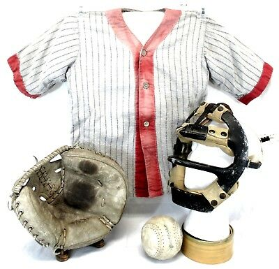 Vintage Lot of Baseball Sport Related Items [Jersey, Glove, Mask, Ball] (579)
