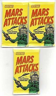 Mars Attacks  3 sealed retail packs Heritage random gold/silver/green parallels