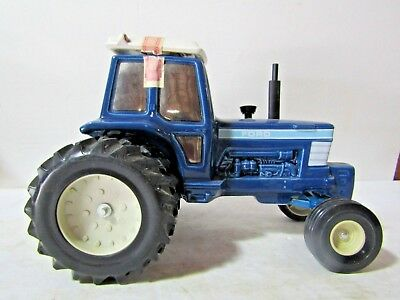 Pacesetter Ford Farm Tractor Decanter